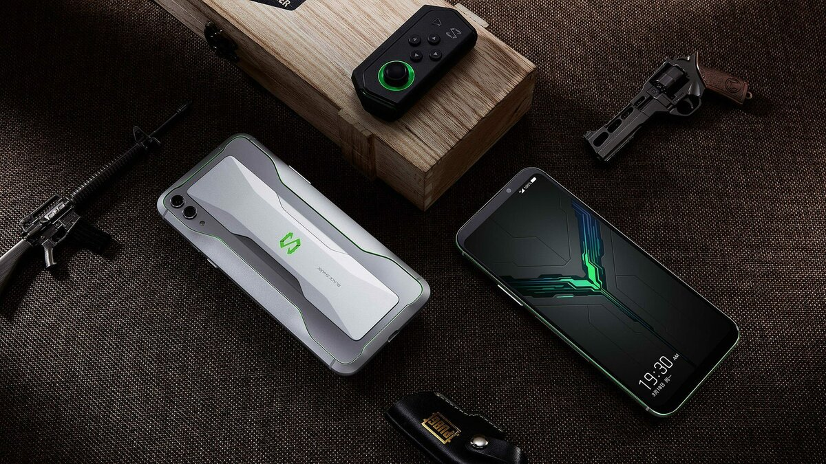 Сегодня состоялась презентация смартфона Black Shark 3 и его старшего собрата Внешне и по «железу» они похожи но есть ряд серьезных отличий как и предполагалось ранее