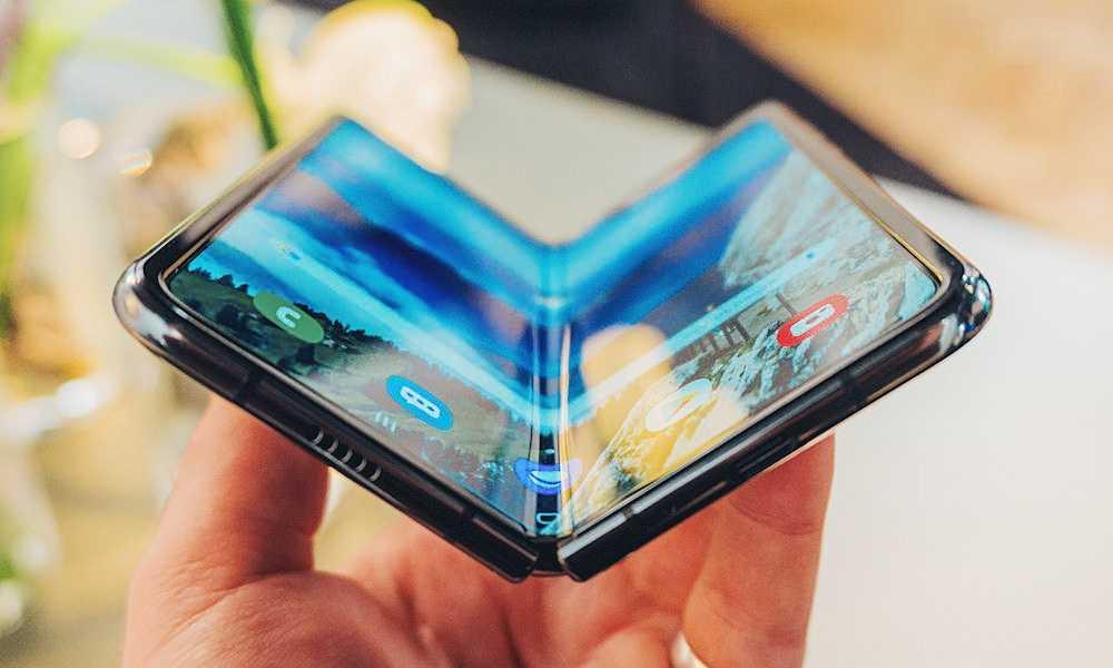 Продажи складного смартфона samsung galaxy fold запускают в россии ► последние новости