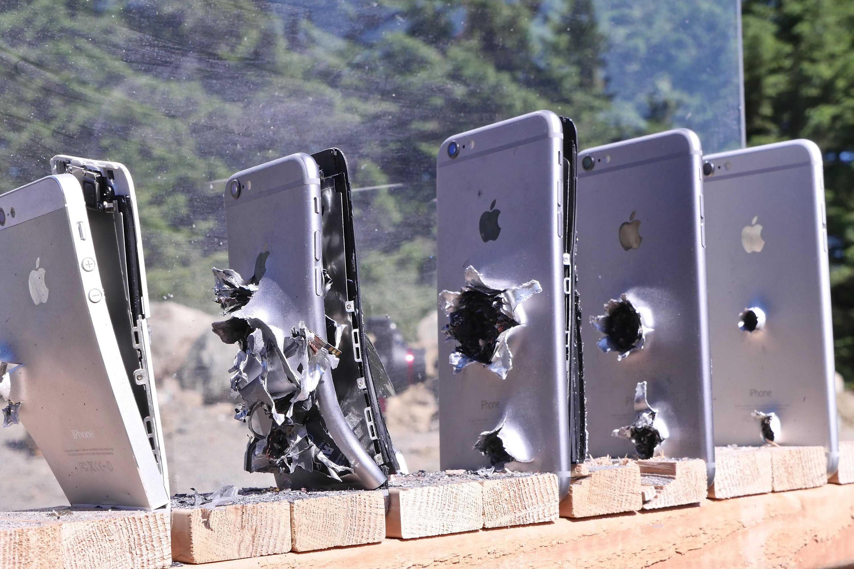 Apple и samsung призвали к ответу за выпуск опасных для здоровья смартфонов