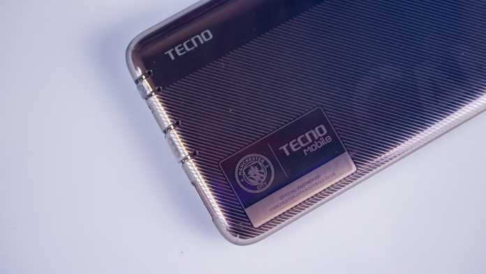 Обзор tecno camon 12 air – ультрабюджетник с врезанной в экран фронталкой