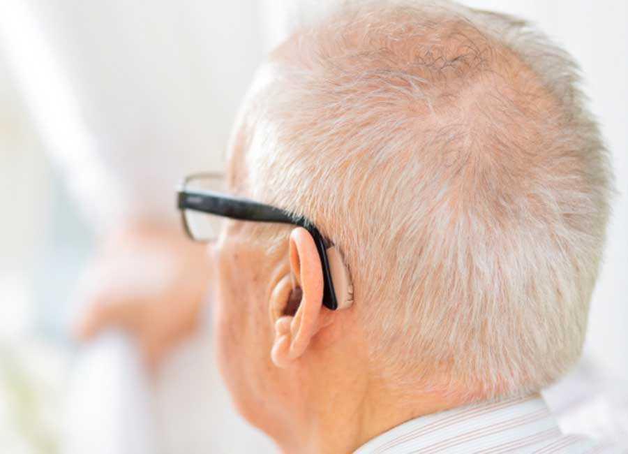 Как выбрать слуховой аппарат для пожилых людей + рейтинг лучших производителей