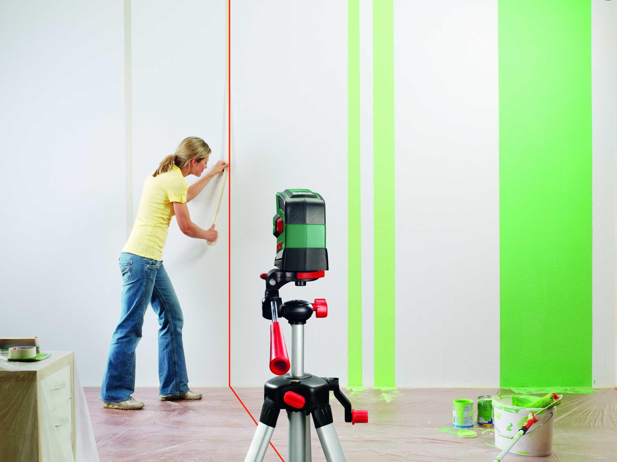 Как лазерным уровнем проверить ровность стены?