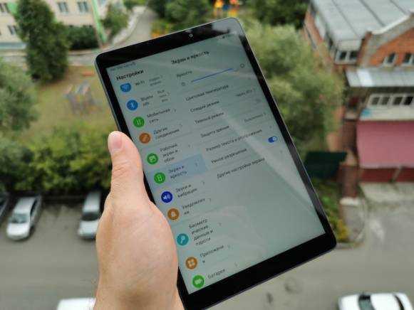 Huawei начинает продавать в россии сверхдешевый планшет с большим аккумулятором. видео