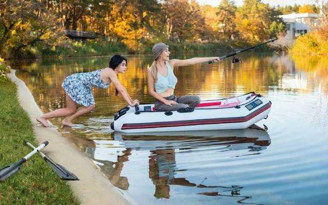 Как выбрать лучшую надувную лодку для рыбалки из пвх или резины?