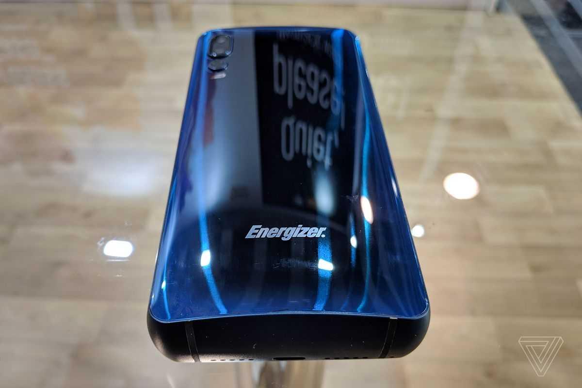 По всей видимости многообещающий смартфон-кирпич Energizer Power Max рендеры которого заинтересовали многие покупателей так и не появится на прилавках магазинов