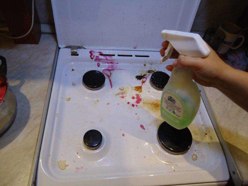 Чем чистить стеклокерамическую поверхность плиты? хозяйкам на заметку!