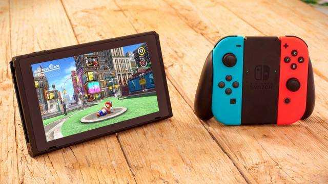 Согласно сведениям опубликованным изданием The Wall Street Journal до конца 2021 года компания Nintendo намерена представить две новые игровые приставки гибридной