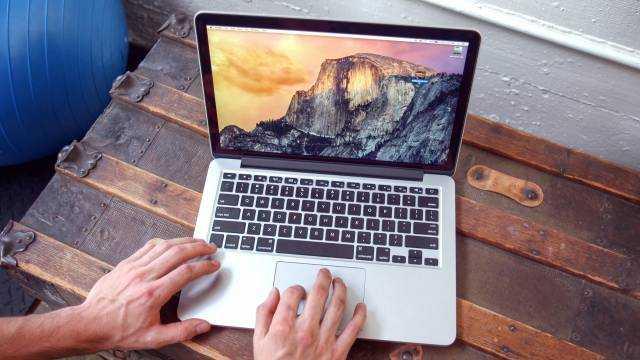 Проверяем лично. сколько работает macbook pro 2016 на новой macos?