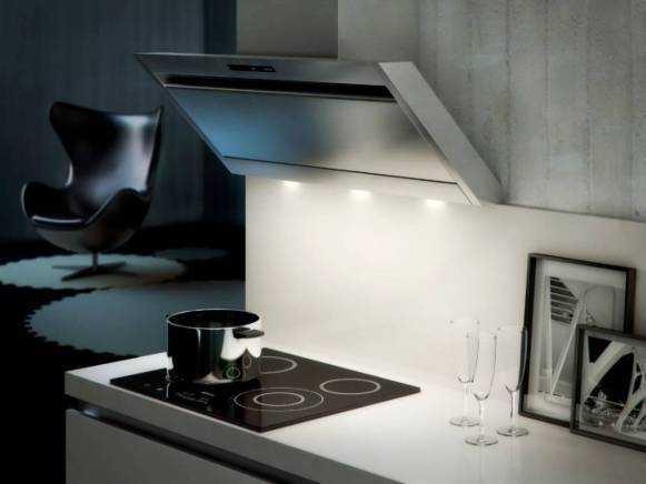 Как правильно выбрать встраиваемую вытяжку для кухни + топ-3 лучших устройств