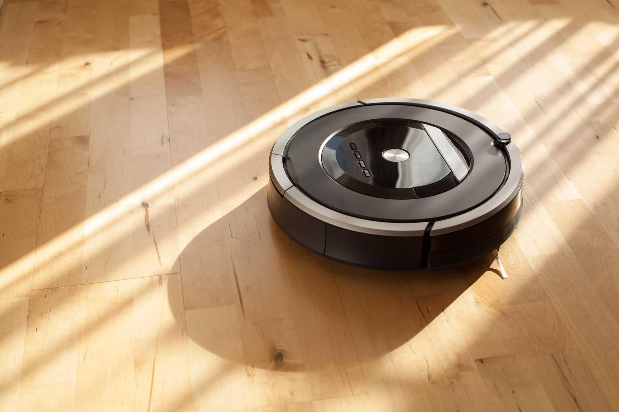 Робот-пылесос – бытовые устройства оснащенные искусственным интеллектом для упрощения процесса уборки Как и обычные аналоги данные аппараты всасывают пыль шерсть