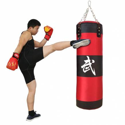 Упражнения с боксёрской грушей: комплекс тренировок