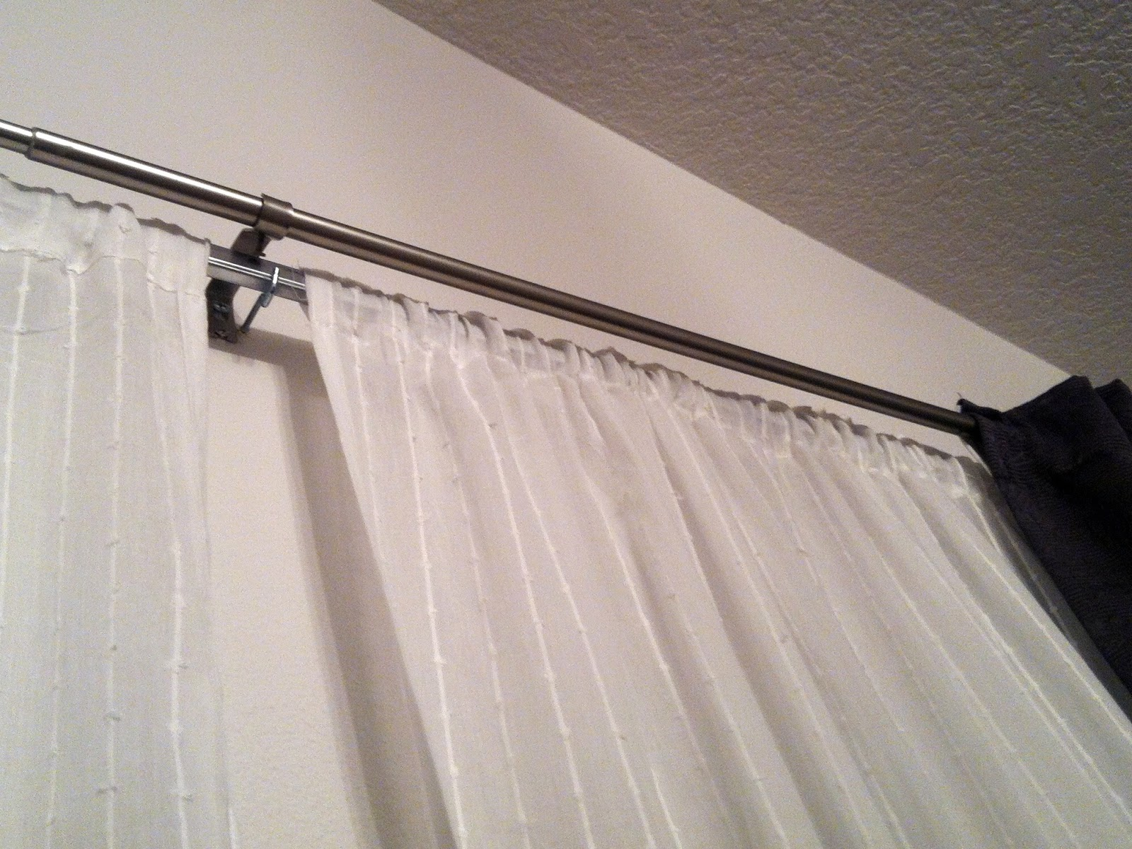 Карниз для штор под натяжной потолок: фото в интерьере и советы по выбору