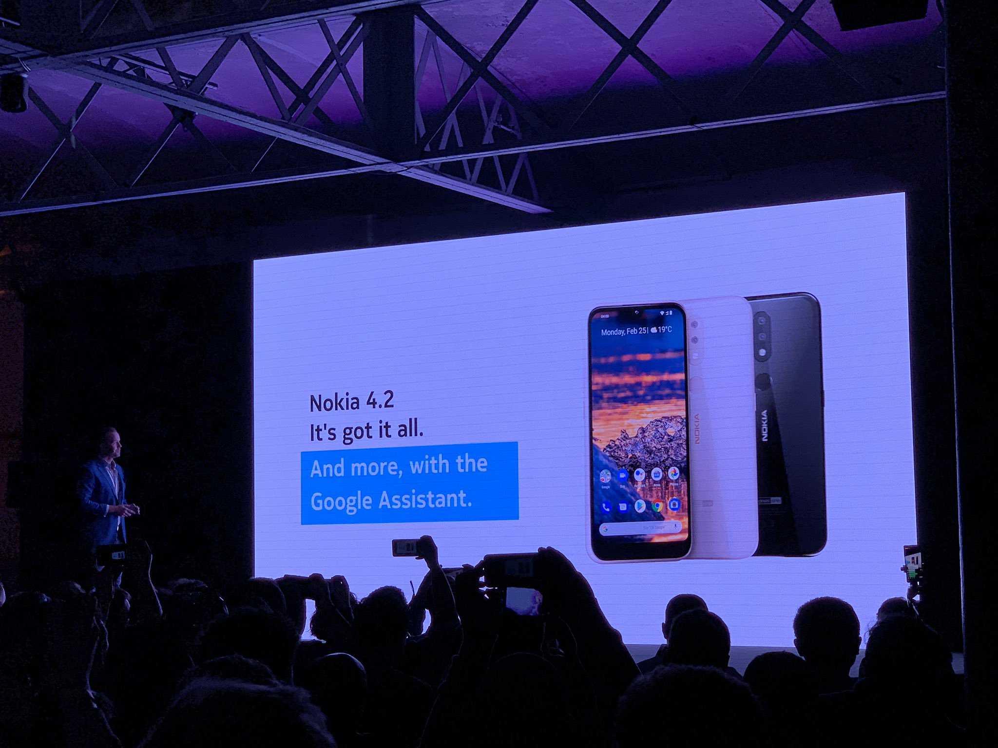 Samsung отправит привычный формат смартфонов в небытие - cnews