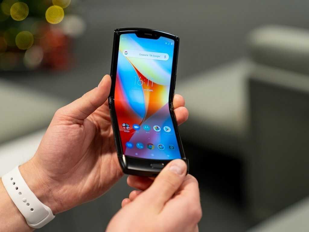 Складной смартфон здорового человека: motorola перевыпустила motorola razr - androidinsider.ru
