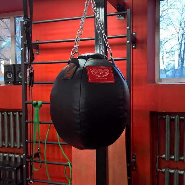 Самые лучшие варианты, чем набить боксерскую грушу в домашних условиях