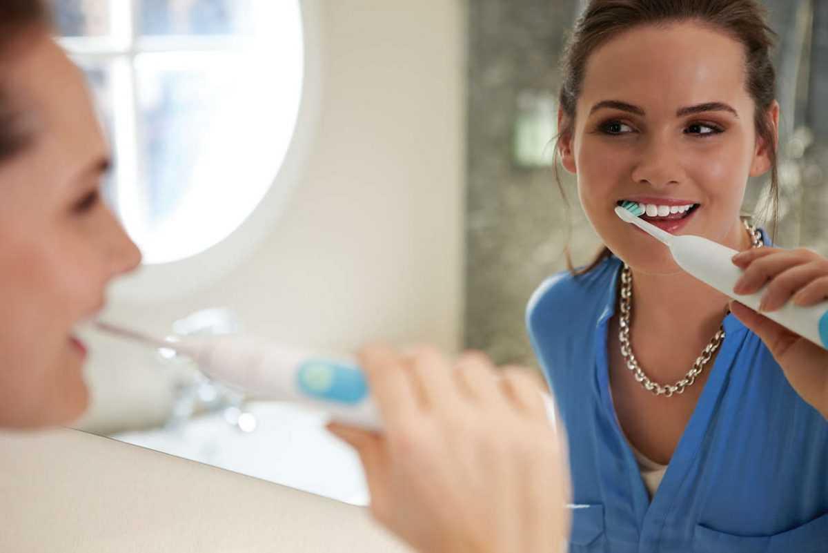 Что такое ультразвуковая зубная щетка и в каких случаях необходима