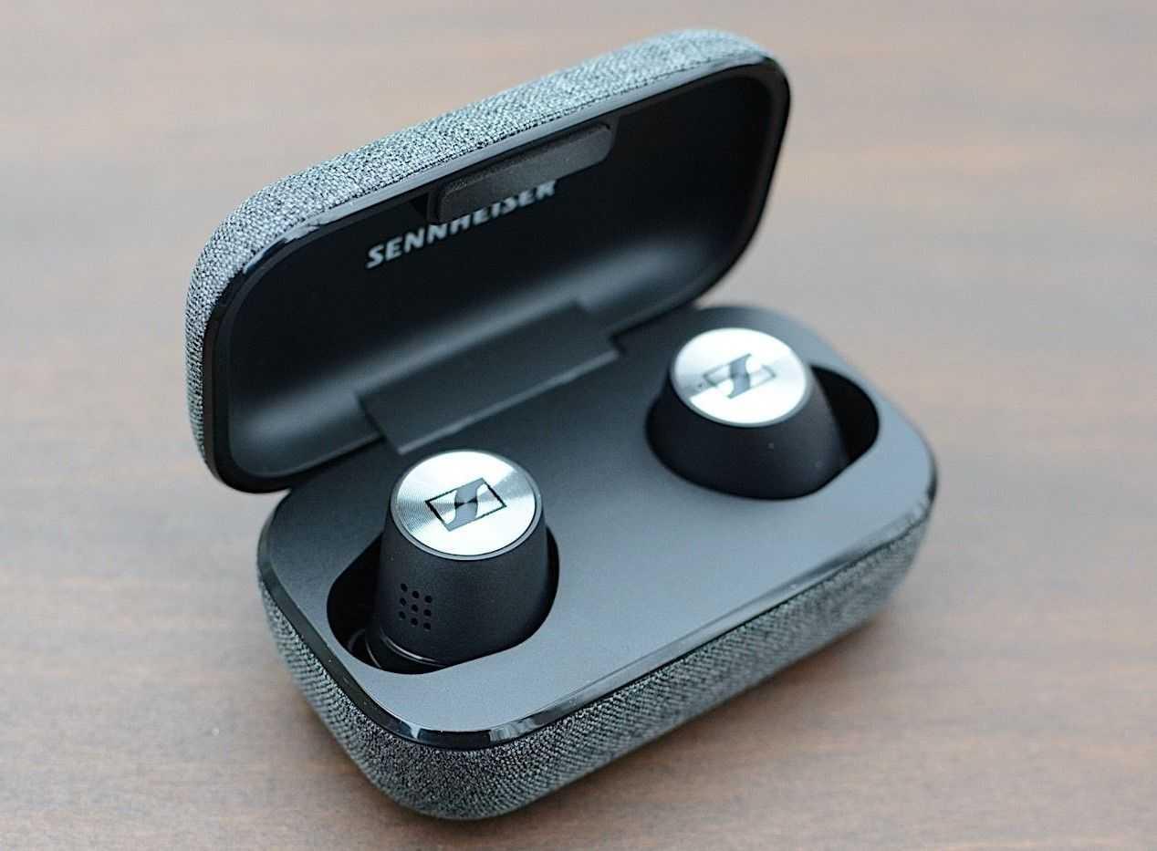 В том году известная компания Sennheiser из Германии анонсировала свои беспроводные наушники серии Momentum True Wireless Доступная цена и высокое качество звука стало
