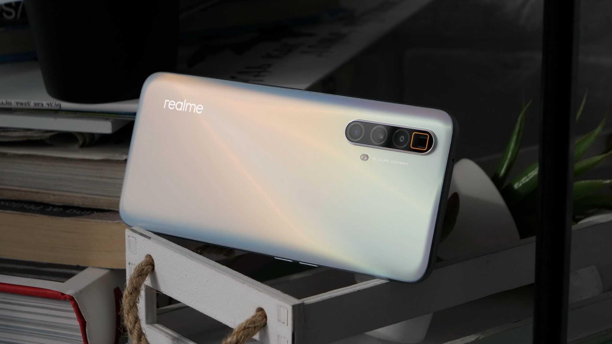 Буквально за день до выхода «нашумевшего» флагманского смартфона серии Realme X3 SuperZoom в сеть попали сведения на предмет характеристик премиального девайса