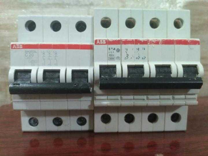 Как выбрать автоматический выключатель: по току, по мощности и по производителю