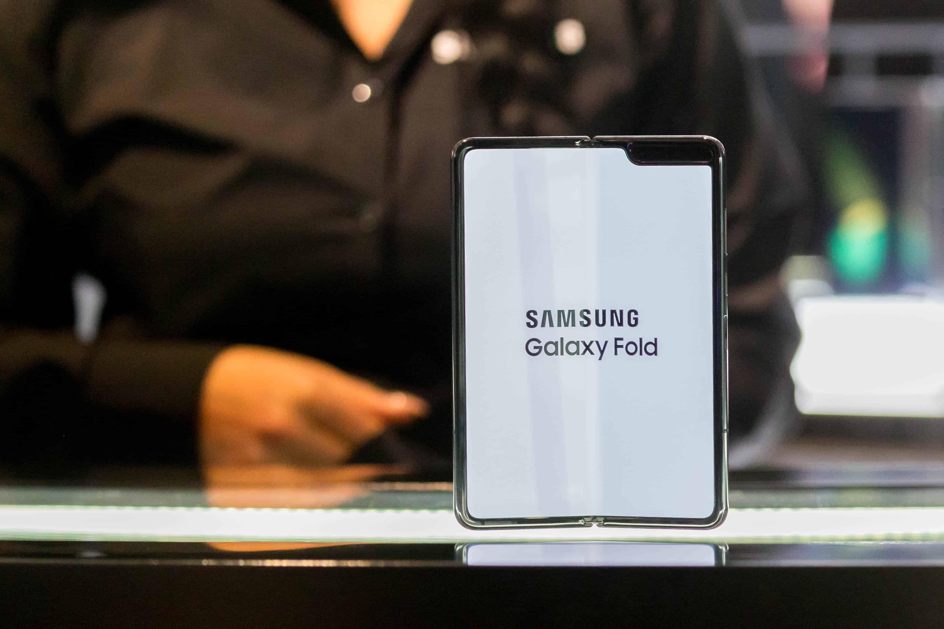 Samsung скрыла от всех неустранимый недостаток гибкого смартфона - cnews