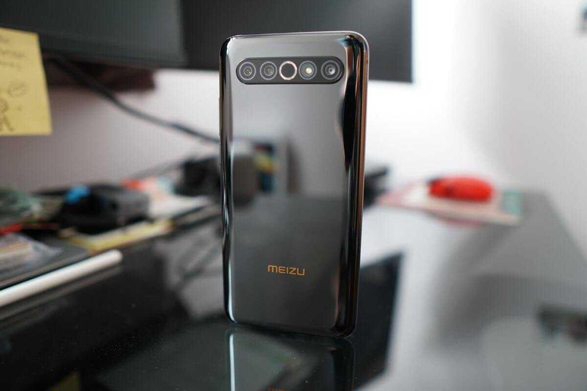 В Китае состоялась презентация новенького Meizu 17 и версии «Pro» По внешним признакам отличить эти устройства крайне сложно Что же касается характеристик