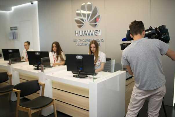 Не успели еще поклонники компании Huawei расслабиться в связи со снятием санкций США но китайский производитель радует новыми новостями