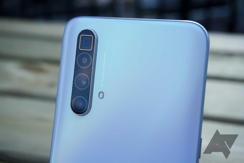 Известное издание Tech-Hangout видимо по ошибке анонсировало обзор ожидаемого смартфона под названием Realme X3 SuperZoom анонс которого еще не состоялся Вместе с