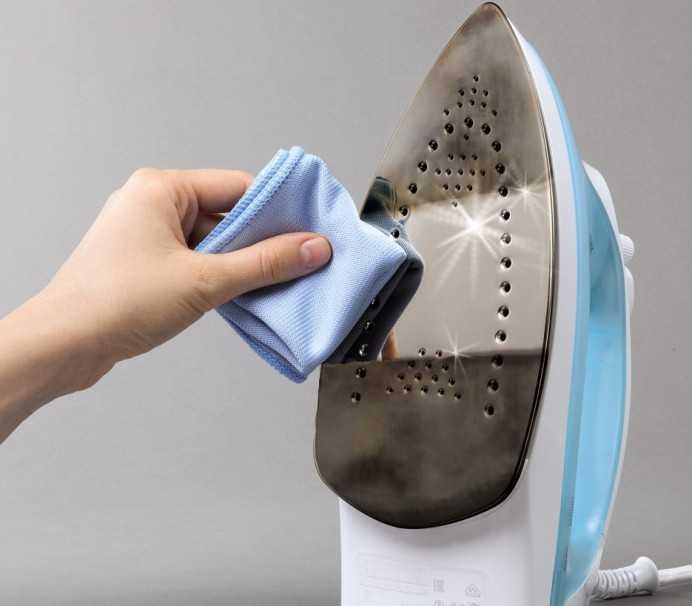 Как очистить подошву утюга в домашних условиях: самые быстрые и доступные методы