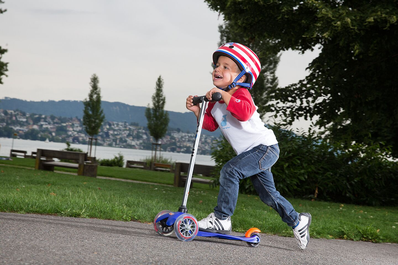 Самокаты для подростка (21 фото): рейтинг хороших самокатов с большими и маленькими колесами для мальчиков и девочек 9-12 и 14 лет. как выбрать самый крутой?