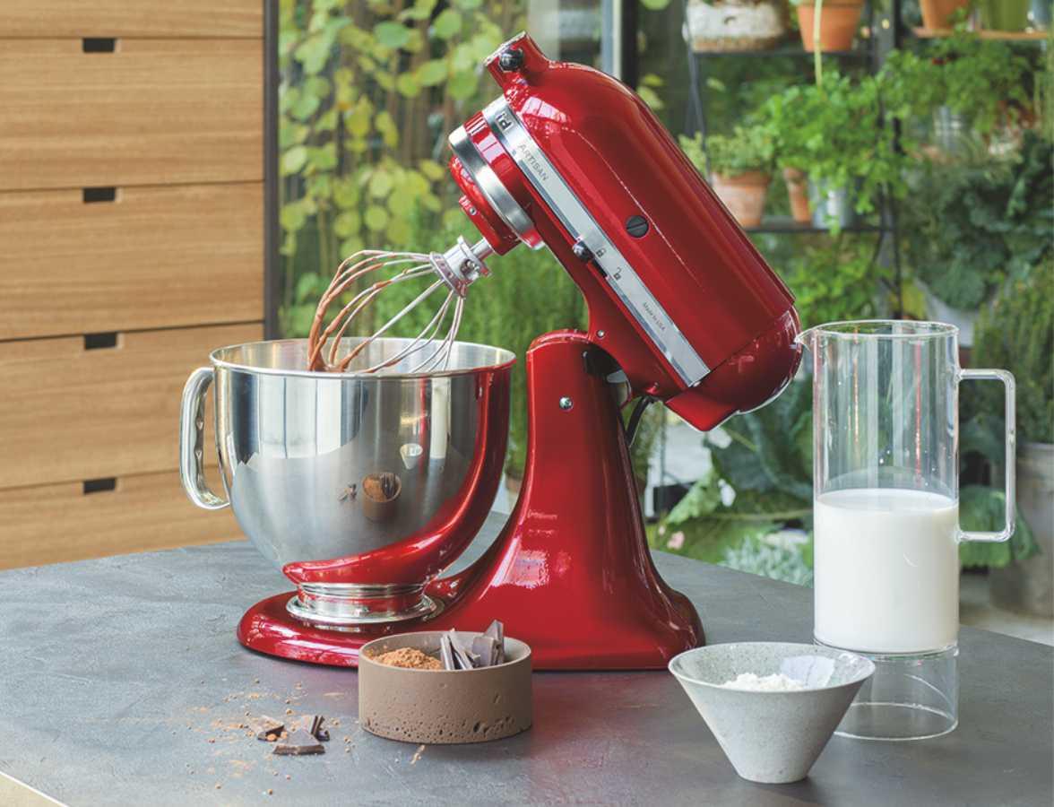 Блендер или миксер: что лучше и полезнее на кухне?