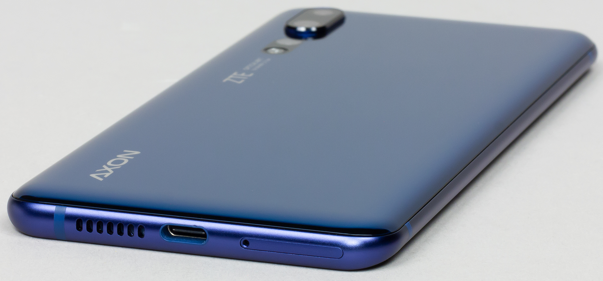 Выбор редакции смартфон zte axon 10 pro blue