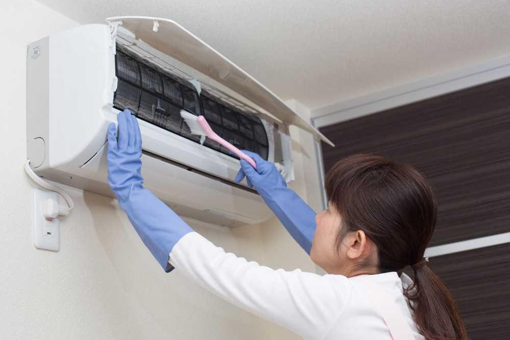 Как почистить кондиционер и сплит-систему своими руками в квартире или офисе