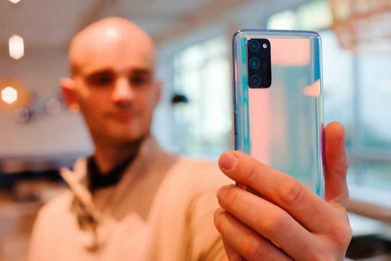 Названы худшие и лучшие по качеству звука смартфоны-флагманы. видео - cnews