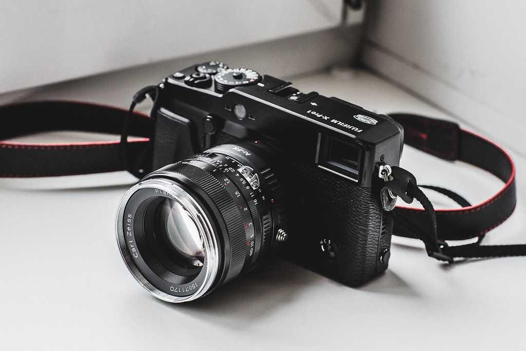 Уже многие профессиональные фотографы заждались обновления беззеркалок X-T3 от компанииFujifilm Наконец-то бренд выпустил версию 30 Как и ожидалось новая прошивка