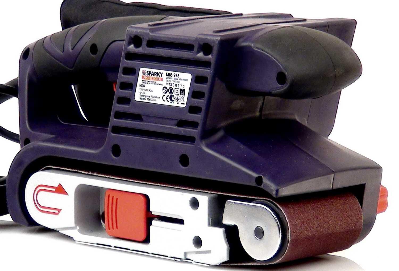 Ленточная шлифовальная машинка по дереву: какую выбрать? рейтинг лучших шлифмашин. обзор ручных моделей. особенности машин с рамкой