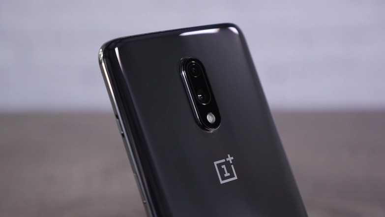 По классическому сценарию за несколько месяцев до официального анонса смартфона OnePlus 7 в сеть попадают технические характеристики нового флагмана Сложно даже