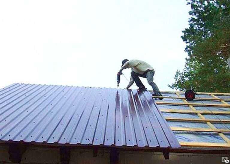Как и чем перекрыть крышу гаража?