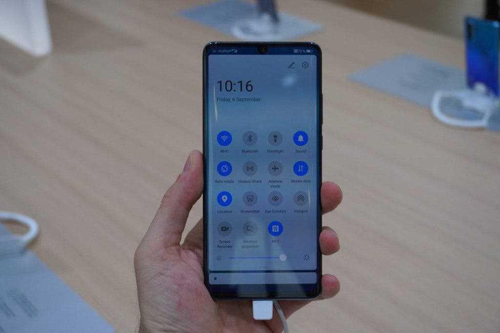 Новые телефоны huawei получат функцию умного контроля глаз и другие фишки
