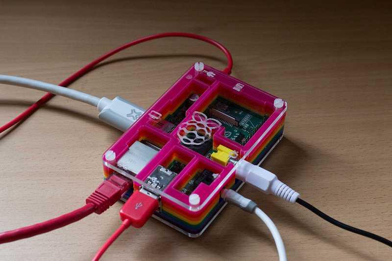 Raspberry выпустила полноценный пк внутри клавиатуры. видео