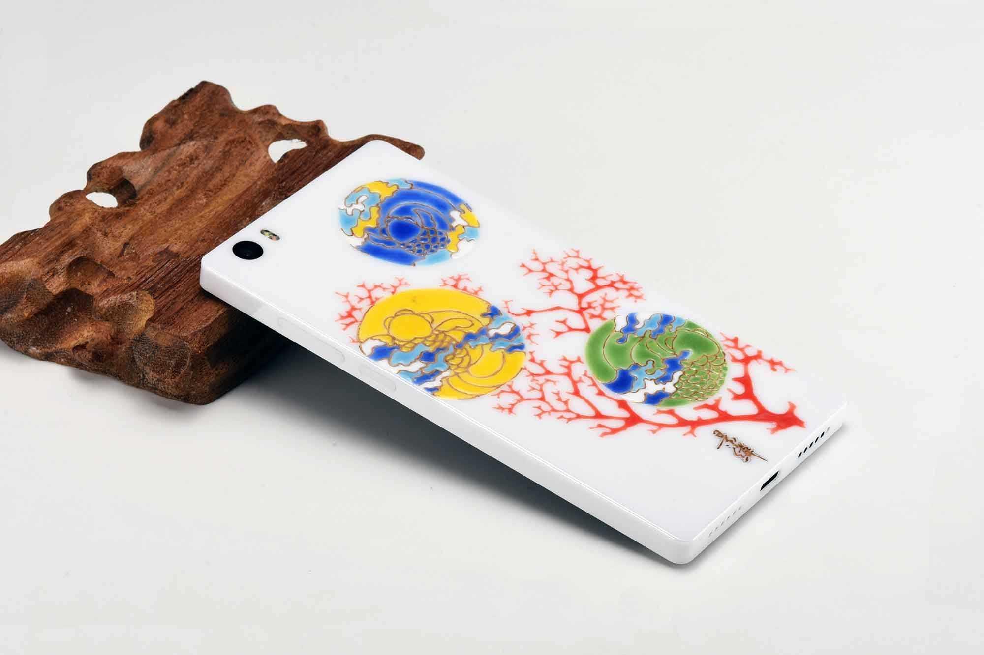 Royole flexpai - первый по-настоящему гнущийся смартфон