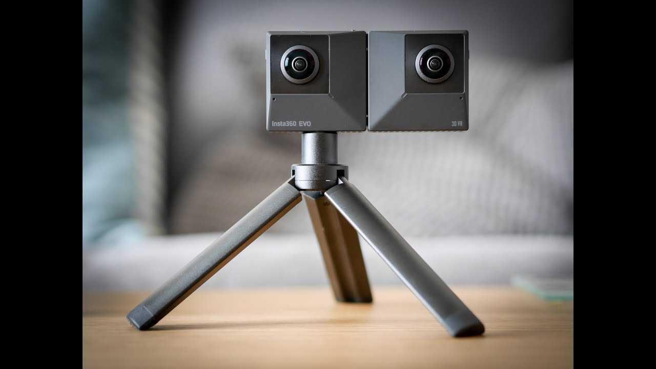 Складная камера insta360 evo снимает 3d видео 180º и видео 360º 5,7k