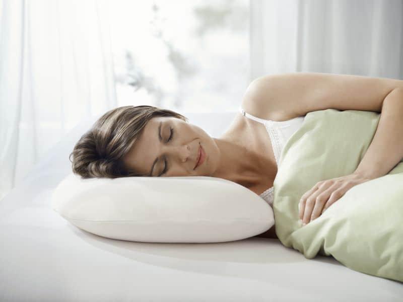 Как выбрать правильную ортопедическую подушку для сна