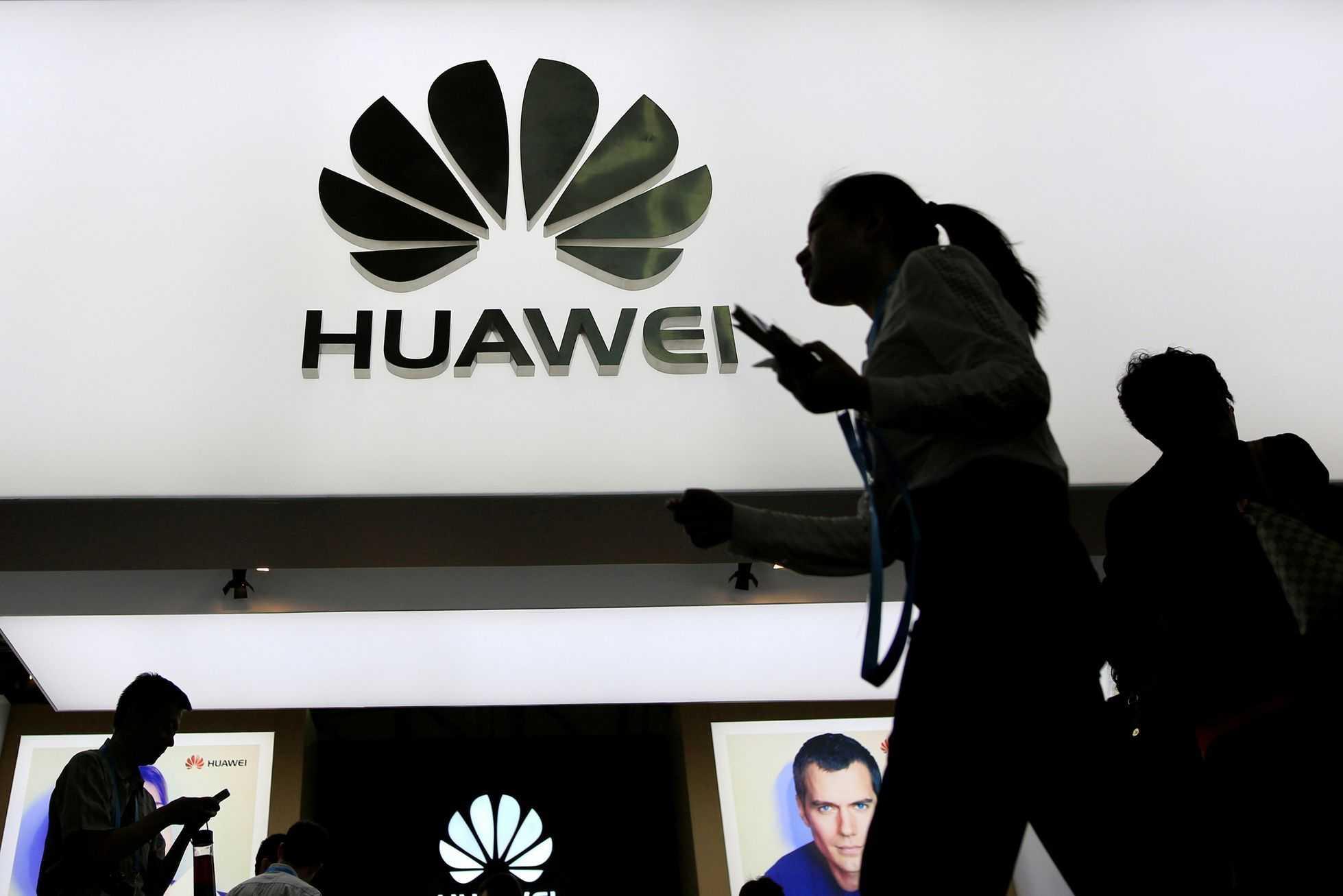 Компания foxconn остановила производство смартфонов huawei из-за политики сша ► последние новости