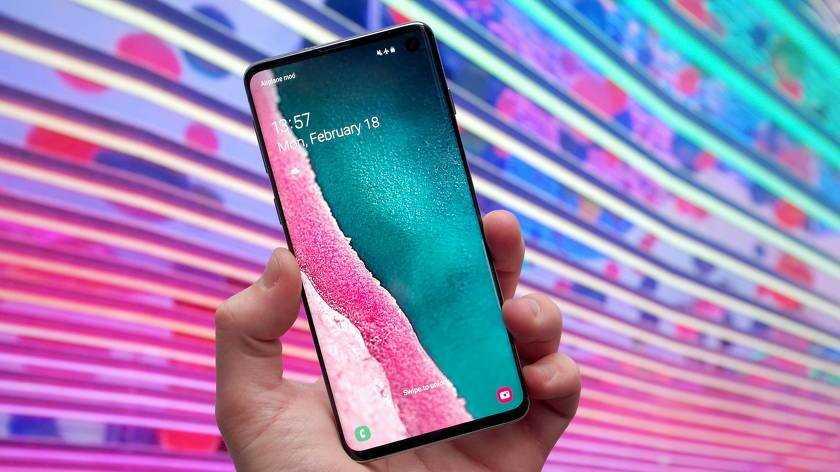 Лучшие компактные смартфоны 2021 года: топ рейтинг