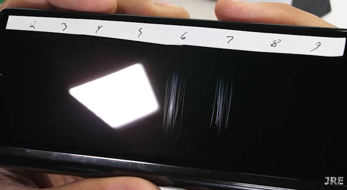 Известный китайский инсайдер Ice Universe представил в своем твиттере новые данные относительно ожидаемого третьего поколения флагманов серии Galaxy ZFold Речь идет о