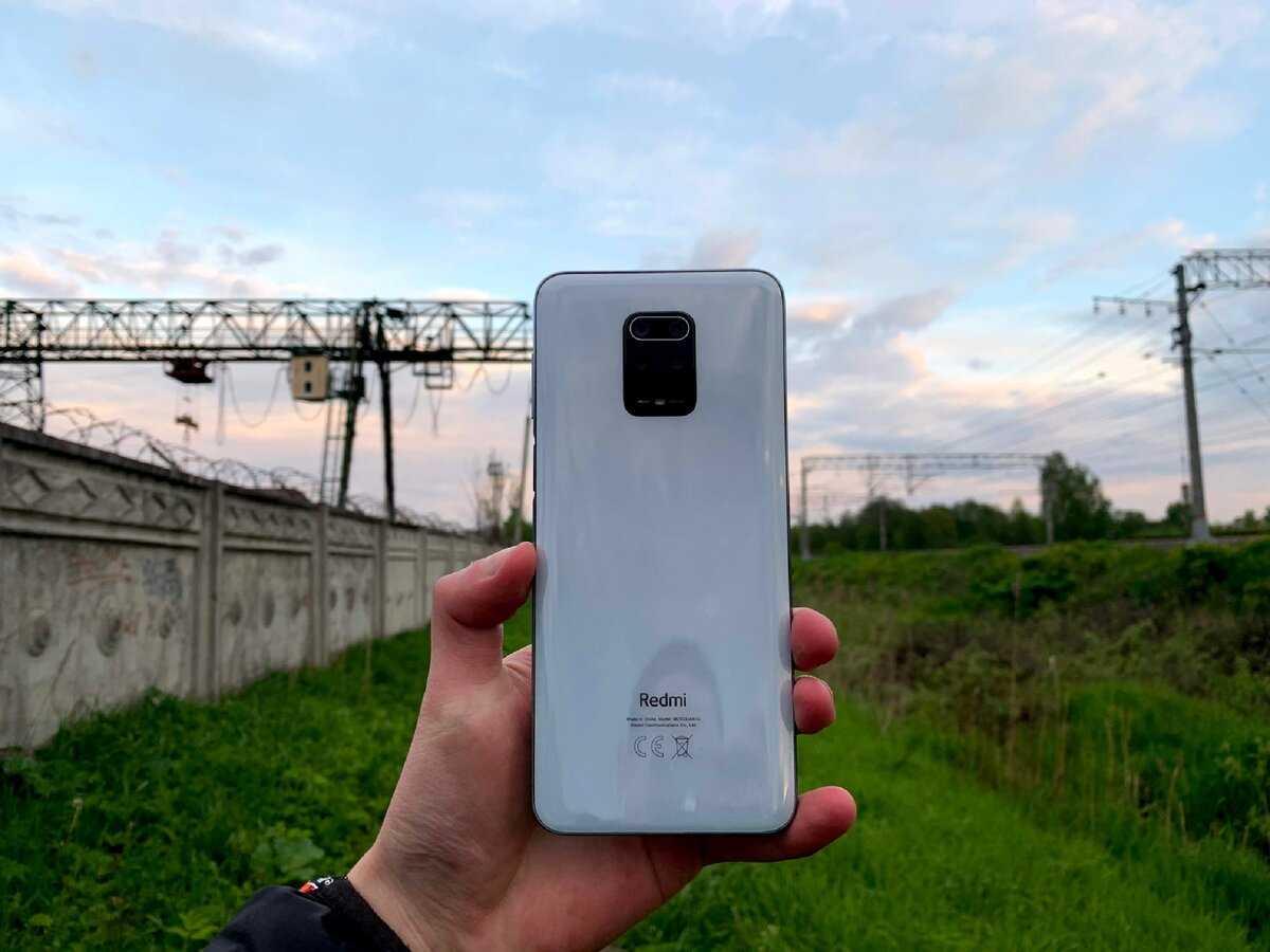 Как Вы думаете сколько нужно времени компании Xiaomi чтобы продать на территории РФ 15 тысяч смартфонов День два 27 минут После старта официальных продаж в 10:00
