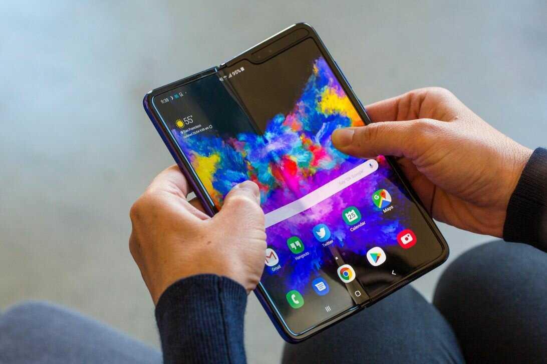 Стали известны сроки выхода складного смартфона samsung galaxy fold ► последние новости