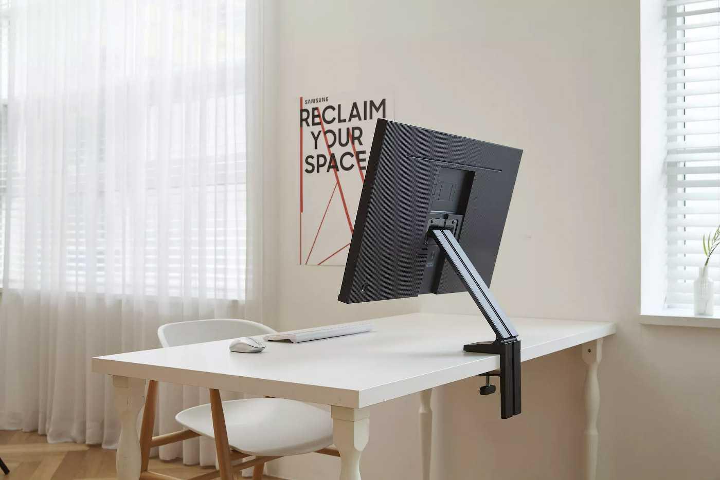 Тест и обзор: samsung s32r750uei - дизайн, освобождающий место на столе?