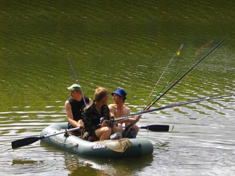 """Как выбрать лучшую надувную лодку для рыбалки из пвх или резины? — журнал """"рутвет"""""""