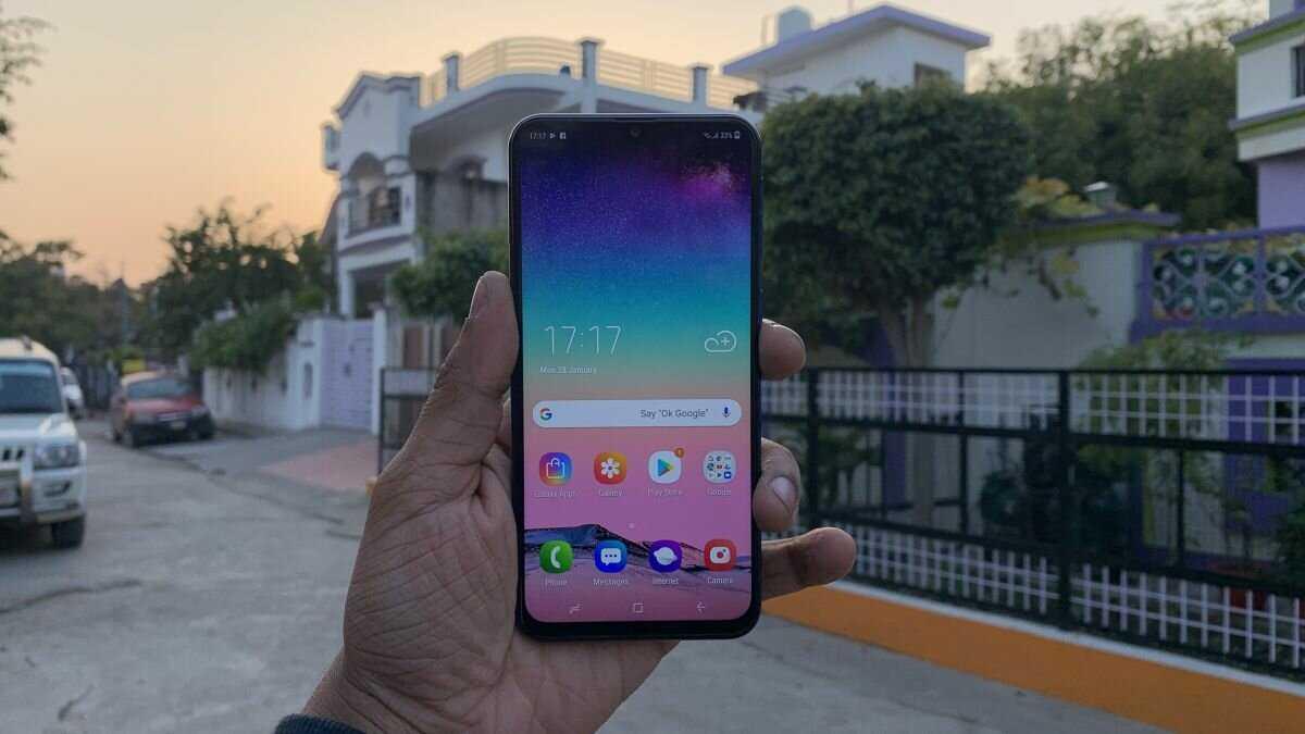Samsung готовится выпустить смартфон с огромной батареей. почему это тупик